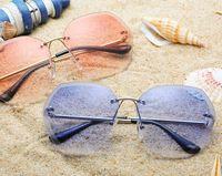 16333f55a5 Gafas de sol para mujer Gafas de sol de vacaciones en la playa Lente para  PC Gafas de moda sin marco 8 Color Nuevo estilo Gafas de sol de verano Más  vendido