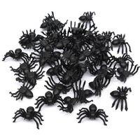 brinquedos de aranha realistas venda por atacado-50 Pcs Útil Aranha Preta de Plástico Decoração de Festa de Halloween Suprimentos Festival Engraçado Brincadeira Brinquedos Decoração Realista Prop Venda Quente