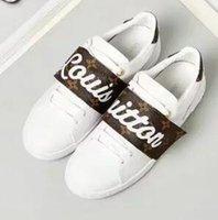 kahverengi süet ayakkabı kadınlar toptan satış-Yeni lüks sıcak kadınlar vv Parti Düğün Ayakkabı beyaz kahverengi süet düşük üst ayakkabı, tasarım nedensel ayakkabı
