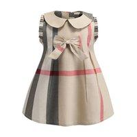 vestido nuevo de la solapa de las niñas al por mayor-Baby Girls Plaid Dress 2019 Nuevos estilos Niños Niñas Arco lindo solapas sin mangas de algodón Vestidos Moda Vestido de alta calidad B11
