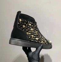 красная удобная обувь оптовых-Мужчины Женщины Дизайнерская Red Bottom Shoes Мода Шипы Шипованные Шипы Квартиры тапок Lovers Удобная партия Подлинная кожа Повседневная обувь