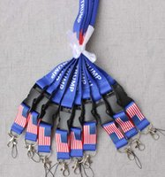 rozet anahtar kordon toptan satış-TRUMP ABD Bir Amerika Birleşik Devletleri Çıkarılabilir Bayrağı Anahtar Zincirleri Rozet Kolye Parti Hediye moble telefonu kordon MMA2080