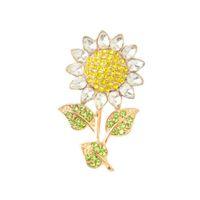 broches para convites de casamento venda por atacado-Moda Champagne Banhado A Ouro De Metal Convite De Girassol CZ Flor De Cristal Pin Broche Acessórios Do Casamento