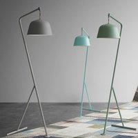 lâmpadas de chão de madeira venda por atacado-Nordic dinamarquesa Sala Pavimento Lamp Criativo Retro Makaron Estúdio Quarto de madeira Floor Lamp Lampara De Pie Standing Lamp E27