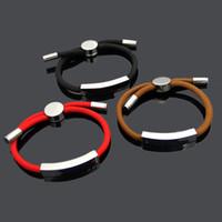 bracelets rouges à la main achat en gros de-Célèbre Marque main corde amour bracelets pour Femmes De Mode En Acier Inoxydable rouge noir corde V lettre charme bracelets bracelets hommes Couple Bijoux