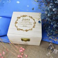 caixas de jóias decorações venda por atacado-Caixa De Anel Rústico De Madeira Decorações De Casamento Junto Com Garland Bardian Caixa De Jóias Quadrado Moda Simples Envoltório De Presente 15 mtE1