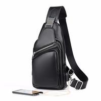siyah erkek omuz çantası toptan satış-2018 Jackkevin Moda Erkek Omuz Çantası Hırsız Siyah Deri Erkek Göğüs Çanta Usb Şarj Crossbody Çanta Seyahat Çantası J190702
