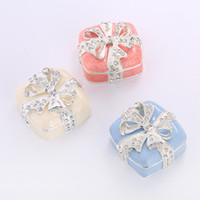 Wholesale metal butterflies crafts resale online - Delicate Activity gifts promotion gifts practical silver plated diamond butterfly bow crafts jewelry box customization