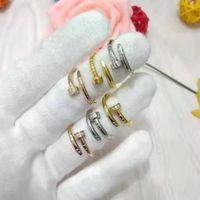 porzellan verlobungsfeier kleider großhandel-Kristall Zirkonia Einfache Ringe für Frauen Anti Allergien Ehering