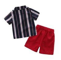 caballero abrigo niño al por mayor-New Summer Baby Gentleman Niños Ropa Set Niños de manga corta de la raya de la capa + Shorts Boy niños 2pcs trajes W337