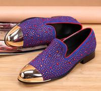 mocasines morados al por mayor-Hombres de calidad superior Crystal Purple Shoe Diseñador de moda zapatos Studd Mocasines Hombres Zapatos de vestir Calzado Hombre