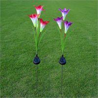 im freien solarbetriebene blumen großhandel-Outdoor Solar Garden Stake Lights Solarbetriebene Lichter mit 3 Lily Flower, weiße LED Solar Flowers Lights Outdoor Garden