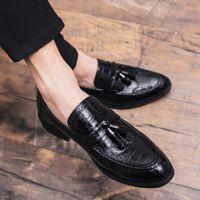 düğün ayakkabıları kulübü toptan satış-Marka Ayakkabı Erkekler Deri Siyah Ayakkabı açık Lüks Püskül Loafer'lar Ofis Resmi Elbise kulübü Erkekler düğün Üzerinde Kayma
