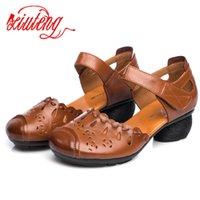 Wholesale soft leather comfort shoes for sale - Group buy Xiuteng Summer Comfort With Thick Heel Genuine Leather Sandals Mother Shoes Non Slip Rubber Bottom Women s Cow Leather Shoes Y200405