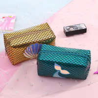 bolsas de cosméticos para niños al por mayor-Sirena láser bolsa de cosméticos Escala de pescado cartera de dibujos animados niños lindos niños bolso estudiante Lápiz caja de almacenamiento favor de partido regalo de los niños FFA2088
