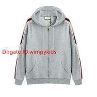 zip up hoodies für frauen großhandel-19SS Grau Italien Designer Modemarken New HOODED ZIP-UP-Sweatshirt mit Logo-STREIFEN-Männer Hoodies Frauen Sweatshirts man Kleidung WM311