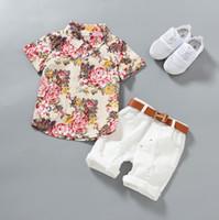 blumenhemd für kinder großhandel-1-5 Jahre Babykleidung Jungen-Blumenhemden mit Baumwollkurzschlusshosen Kinder arbeiten Gentleman-Sommer-Outfits beiläufige Sätze um, die 2pcs / lot kleiden