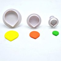 Wholesale water cutters resale online - 3pcs set Water Drop Shape Cookie Cutter Grade Plastic Cake Tool Biscuit Fondant Mold Bakeware Sugarcraft Cake Decoration