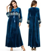 i̇slami arapça kadın giysileri toptan satış-Vestidos Kaftan Abaya Dubai Arapça Kadife Nakış Başörtüsü Müslüman Elbise Kadınlar Robe Musulmane Longue Türk İslam Giyim 4XL