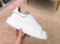 ingrosso abiti luminosi-2019 Designers Comfort Casual Dress Shoe Riflessione luminosa 3M Scarpe casual bianche Platform Sneaker Party Donna Walking Walking Trainers