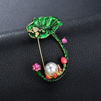 Wholesale enamel flowers for brooch for sale - Green Leaves Lotus Flower Frog Shape Brooches White Simulated Pearl Enamel Brooch For Women Hat Suit Accessories b200