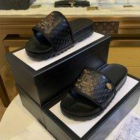 leder stoff hof großhandel-18ss Brand Professional Designer Design Herren Sandalen, importierte Lederstoffe, bequeme Qualität, 38-45 Yards