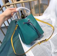 microfibra ombro bolsas venda por atacado-NOVA Sólida Água Ripple Balde Mulheres Bolsas de Couro De Microfibra Mensageiro Bolsa de Ombro Malaquita Sacos De Cordas Da Lona De Couro Verde