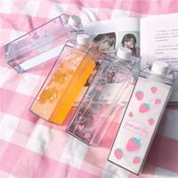 quadratische milchflaschen großhandel-1 STÜCKE Kreative sakura erdbeere 550 ml Platz Milchbecher Box kaffee tragbare meine trinkflasche BPA FREI für Mädchen Kind Schule