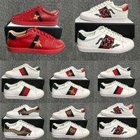 erkekler için tasarımcı elbise ayakkabıları toptan satış-2020 Lüks Ayakkabı Üçlü Siyah Beyaz Sneakers Erkek Kadın Tasarımcı Flats Skate Günlük Ayakkabılar Arı Yılan Çizgili Yıldız Luxe Vintage Elbise Ayakkabı için