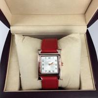 nueva marca rosa roja al por mayor-Nuevo modelo Fashion Lady reloj de pulsera de cuero rojo reloj de las mujeres de oro rosa Acero inoxidable rojo Relojes de pulsera Marca reloj femenino caja libre