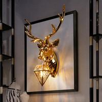accesorios de pared de iluminación led al por mayor-American Retro Gold Deer lámpara de pared Antlers Wall Light Fixtures sala de estar dormitorio lámpara de noche Led aplique decoración para el hogar luminaria