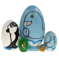 ahşap bebek dekorasyonu toptan satış-5 adet Yunus Sevimli Ahşap Hayvan Boya Yerleştirme Bebekler Babushka Rus Doll Matruşka Hediye El Boya Oyuncaklar Ev Dekorasyon hediyeler