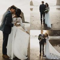 nuevos vestidos de estilo romantico al por mayor-Vestidos de novia románticos de Boho Beach 2019 Nueva manga larga de encaje con cuello en V vestidos nupciales vestido de boda bohemio de estilo rural