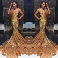 stein lange abendkleider großhandel-Gold Funkelnde Pailletten Meerjungfrau Ballkleider Lange V-Ausschnitt Perlen Stones Backless Sweep Zug Party Abendkleider