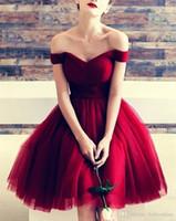 vestidos de tutu sexy vermelho venda por atacado-Sexy Vermelho A Linha Vestidos Homecoming 2019 Elegante Fora Do Ombro Em Camadas De Babados Na Altura Do Joelho Tutu Saia Vestido De Baile Cocktail Vestidos De Formatura