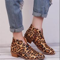 sexy modelos desnudas al por mayor-botas atractivas de la venta caliente-Nueva explosión modelos de zapatos de invierno del otoño de las mujeres botas de las mujeres desnudas profunda V del leopardo de las mujeres de gran tamaño de Esportes