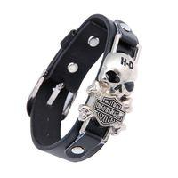 skelettstulpe armband großhandel-Breite Lederarmband Retro Skeleton Designer-Stulpe-Armband Schmuck Motor Cycles neue Punkschädel-Niet-Männer Armbänder
