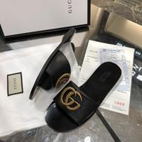 zapatillas al por mayor-Diseñadores de Italia Zapatillas de lujo Chanclas Rihanna ace mujer sandalias Zapatillas antideslizantes chanclas zapatillas tamaño 35-42