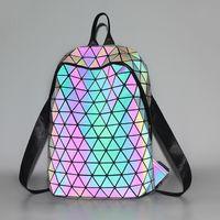 geometrie rucksack großhandel-Großhandels-BaoBao issey Japan miyake leuchtender Rucksack berühmte Geometriebeutel Sequinfaltbeutel Kursteilnehmerrucksack-Reiserucksack-Sportbeutel