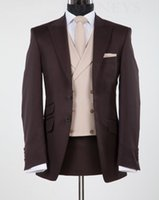 smokings de mariage en chocolat achat en gros de-Groom New Design Chocolate Brown Lapel Gux Tuxedos Groomsmen De Mariage Blazer Suits Business Suits (Veste + Pantalon + Gilet) BM1203