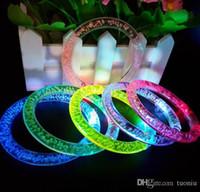 flash pulseira colorida venda por atacado-Pulseira Flash LED Brilho Brilho Anel de Mão Luz Varas Luminosa Gradiente de Cristal Pulseira Colorida Impressionante Dance Party Presente de Natal