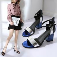 ingrosso pattini coreani dei tacchi alti-Moda nuovo tacco alto cuciture scarpe versione coreana del fishmouth con cintura laterali fibbia sandali vuoti
