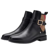 fashion sexy winter boots 도매-여성 겨울 잘 생긴 마틴 부츠 새로운 도착 원래 섹시한 낮은 뒤꿈치 패션 브랜드 클래식 럭셔리 섹시한 영국 벨트 버클 여성 부티