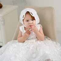 kleinkind mädchen taufkleider großhandel-Neue Mädchen Taufen Kleider mit Hut Spitze Ärmel Infant Taufkleid Taufe Kleider der Mädchen-Prinzessin Kleid Brautkleid 0-24M