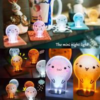 ingrosso luce di mini dimensioni ha condotto-10 Stili Nuovo Design Portatile LED Card Pocket Light Mini Lampadina Dimensioni del raccoglitore pieghevole Lampada da notte Creativo per bambini