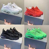 kadın s deri beyaz ayakkabılar toptan satış-Tasarımcı Üçlü S Ayakkabı Temizle Kabarcık Orta taban Erkekler Kadınlar Yeşil Siyah Beyaz Triple-S Casual Spor ayakkabılar Artan Deri baba Ayakkabı