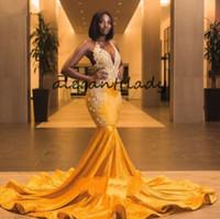 vestidos de baile afro-americano venda por atacado-Lindo Veludo Amarelo Sereia Prom Vestidos Formais 2020 Sexy Longo Trem Trompete Africano Americano Rendas Applique Vestido de Noite Pageant