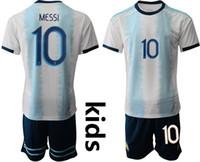 pantalones cortos de bebé niño al por mayor-10 Messi kids football kits 2019 Argentina Home Niños camisetas de fútbol Camiseta de manga corta camisa de futebol bebé infantil niño diseñador ropa