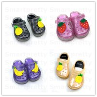 Wholesale children winter slippers for sale - Group buy Child Luminous Slippers Kids LED Slippers Mini Holes Sandels Beach Shoes Baby Girls Boys Flashing Light Sandal Princess Shoes DHL New E31010