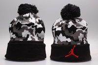 Wholesale white beanies for sale for sale - Group buy Hot Sale fashion football Skateboards beanie hat all football team winter beanies hats for man and women warm beanie gorro Bonnet Skull cap